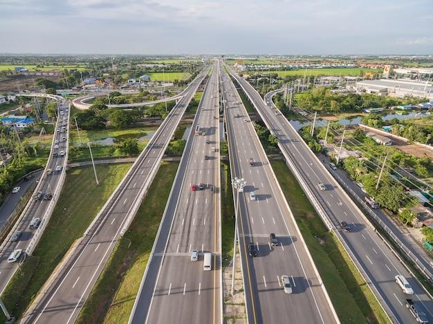 Vue aérienne de l'autoroute à bangkok en thaïlande
