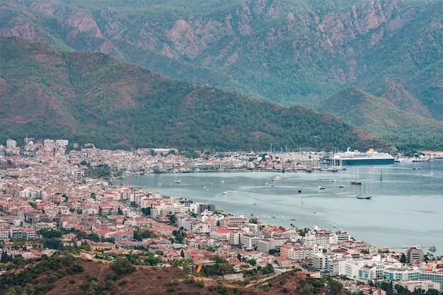 Vue aérienne de la baie de marmaris.