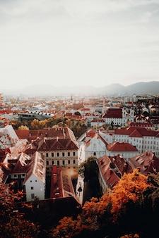 Vue aérienne des bâtiments pendant la journée