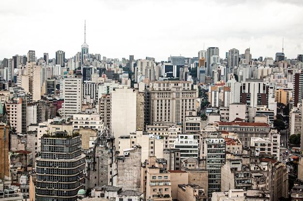 Vue aérienne d'un beau paysage urbain au brésil