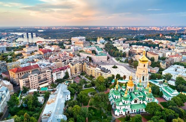 Vue aérienne de la cathédrale sainte-sophie à kiev, ukraine