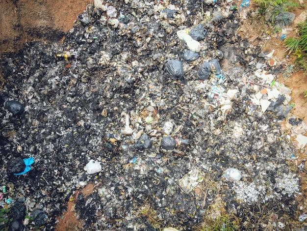 Vue aérienne décharge déchets déchets énorme dépotoir problème de pollution de l'environnement