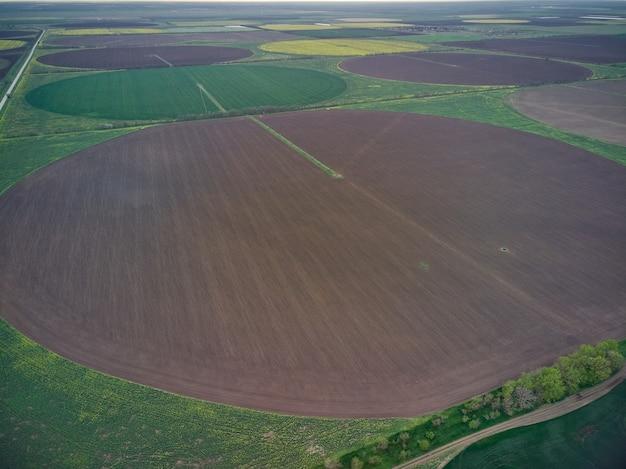 Vue aérienne de drone de champ circulaire en ukraine