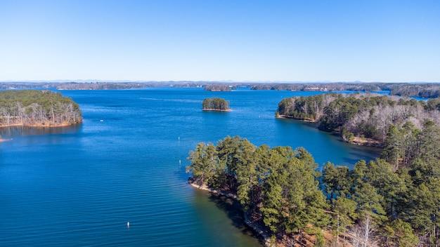 Vue aérienne du lac lanier en géorgie, usa