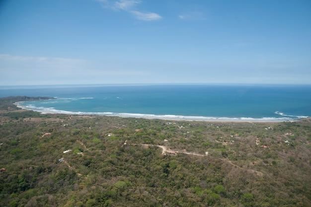 Vue aérienne du littoral du costa rica