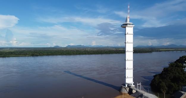 Vue aérienne du parque do rio branco à boa vista, roraima. nord du brésil.