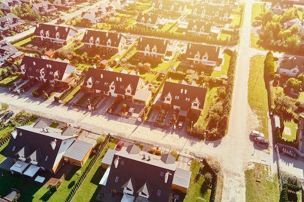 Vue aérienne du quartier résidentiel moderne dans la ville de l'europe
