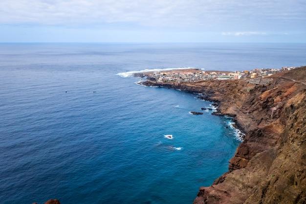 Vue aérienne du village de ponta do sol, île de santo antao, cap-vert