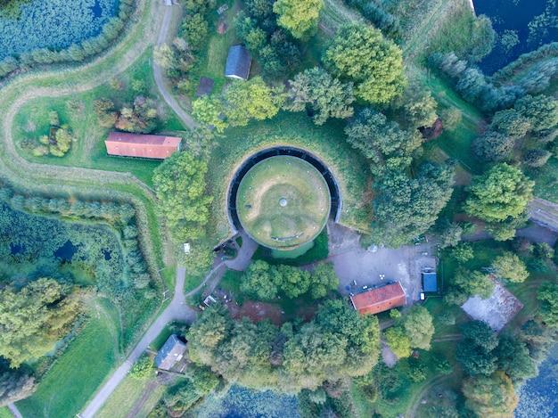 Une vue aérienne de la forteresse d'everdingen aux pays-bas