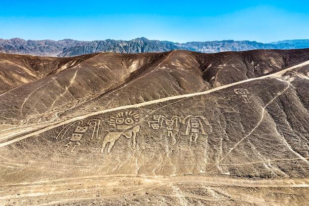Vue aérienne des géoglyphes de palpa au pérou