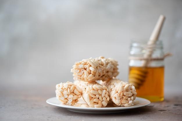 Vue aérienne de grain de riz au miel de tilleul