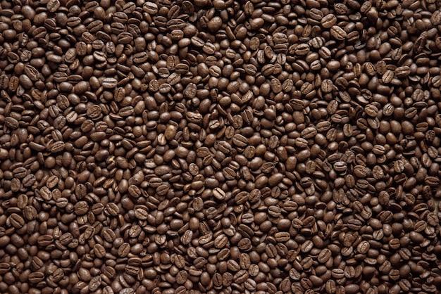 Vue aérienne de grains de café idéal pour le fond