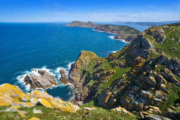 Vue aérienne des îles cies à vigo en galice, en espagne