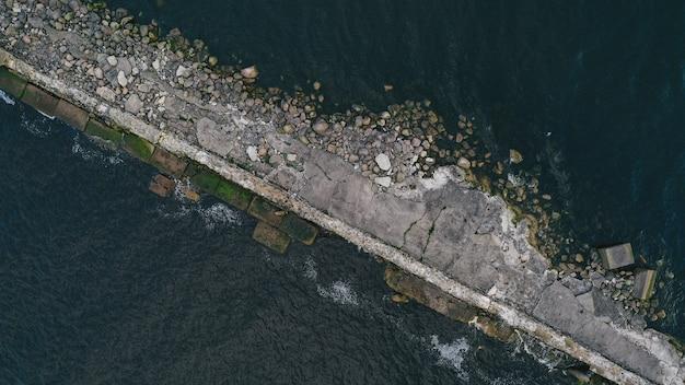 Vue aérienne d'une jetée
