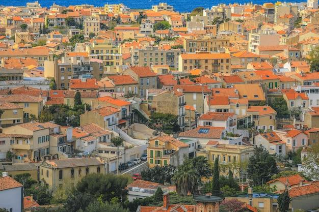 Vue aérienne de marseille depuis la basilique notre-dame de la garde à marseille, provence, france.
