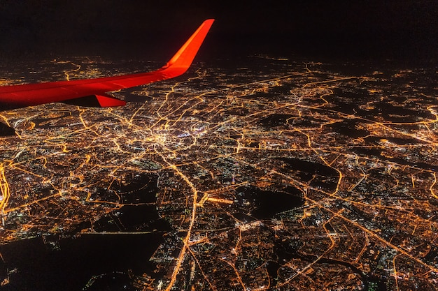 Vue aérienne de moscou la nuit