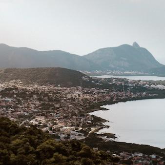 Vue aérienne de la municipalité de niteroi à rio de janeiro, brésil