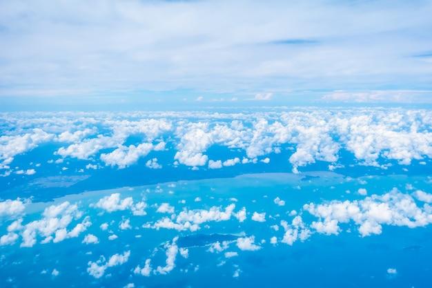 Vue aérienne, de, nuage blanc, et, ciel bleu