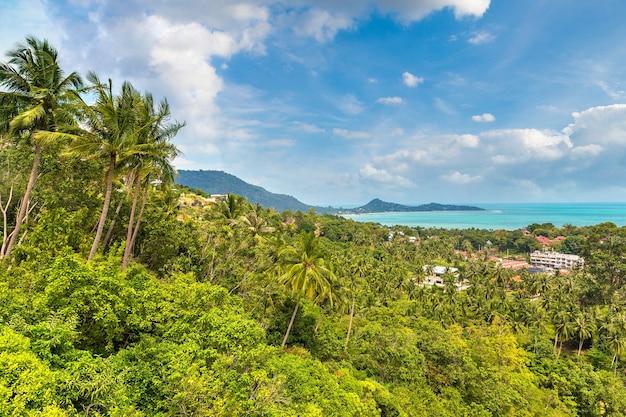 Vue aérienne panoramique de l'île de koh samui, thaïlande