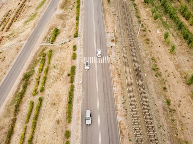 Vue aérienne de passage pour piétons sur une route de vitesse rapide de campagne f