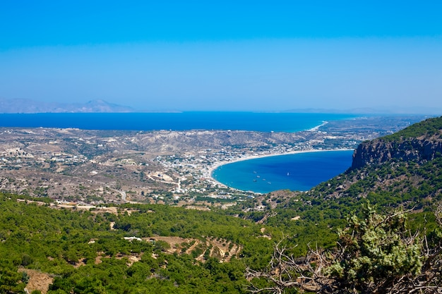 Vue aérienne de la petite et belle île de kos
