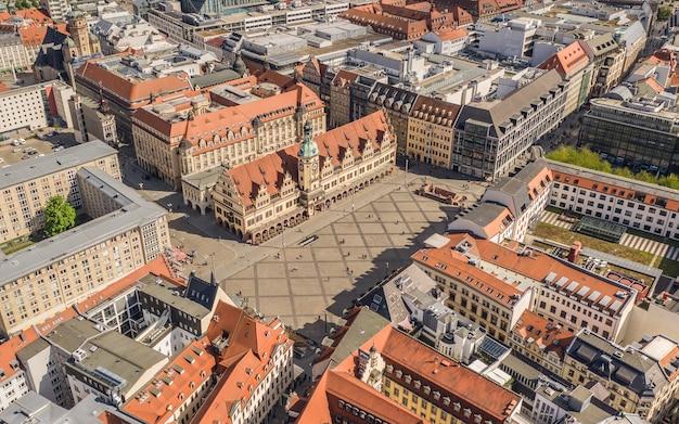 Vue aérienne de la place du marché historique de leipzig