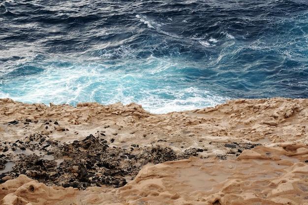Vue aérienne de la plage playa de ajuy à ajuy, espagne