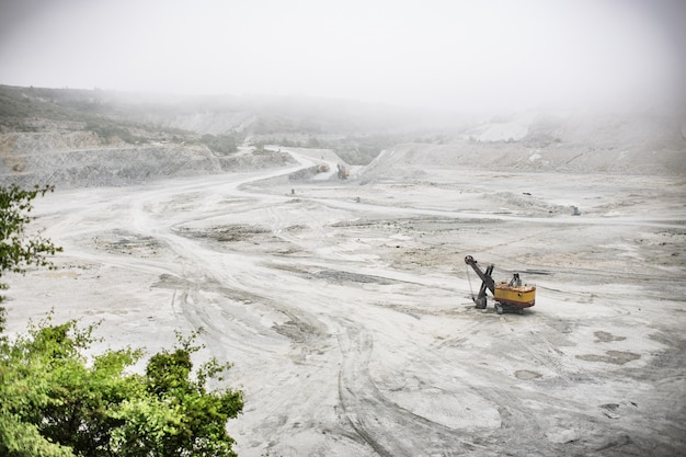 Vue aérienne, sable, carrière, excavateur