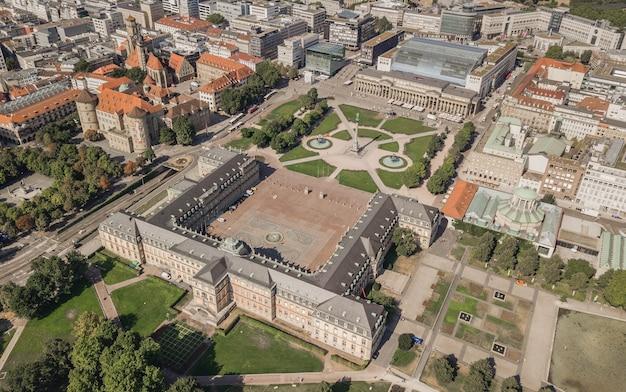 Vue aérienne de la schlossplatz. place du palais à stuttgart