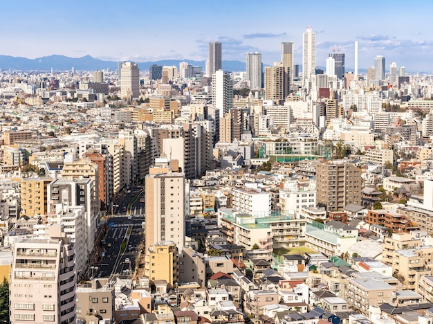 Vue aérienne shinjuku de gratte-ciels de tokyo.