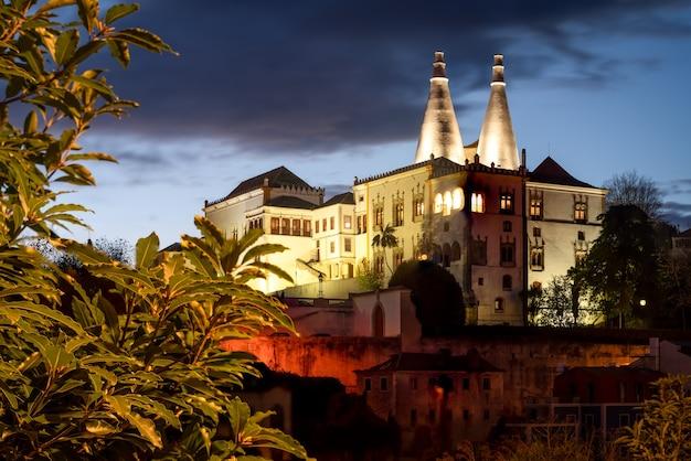 Vue aérienne de sintra, portugal avec le palais national