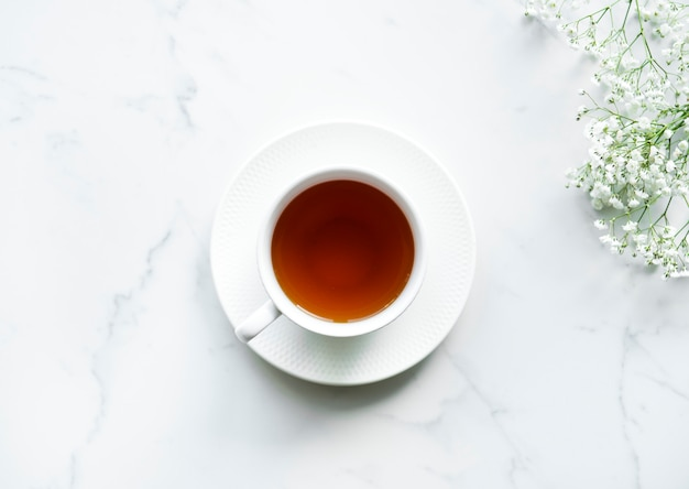 Vue aérienne de thé boisson chaude