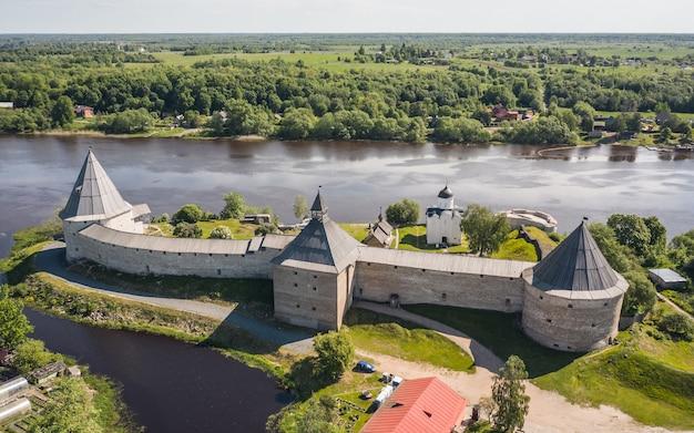 Vue aérienne de la vieille forteresse de ladoga en russie