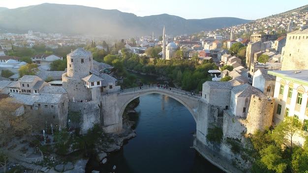 Vue aérienne de la ville de mostar