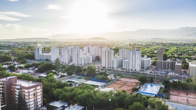 Vue aérienne de la ville verte de mendoza