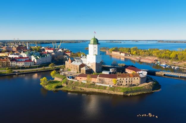 Vue aérienne de vyborg. le golfe de finlande.