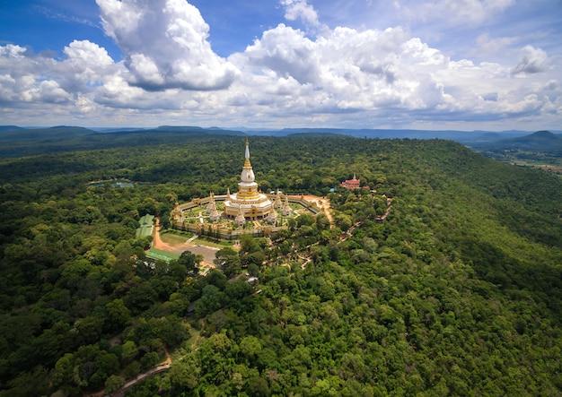Vue aérienne de wat pha nam yoi, temple pha nam yoi, roi et thaïlande