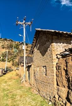 Vue d'antacocha, village péruvien typique des andes