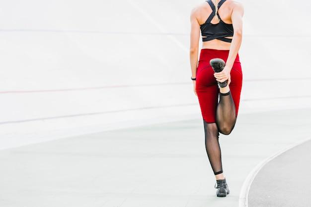 Vue arrière, athlète, échauffement