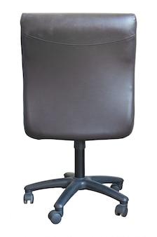 Vue arrière du fauteuil de bureau en cuir isolé sur blanc avec un tracé de détourage