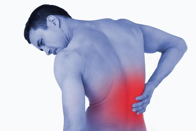 Vue arrière d'un homme souffrant de maux de dos