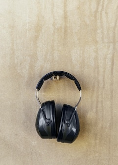 Vue avant de la paire d'écouteurs pour la sécurité au travail