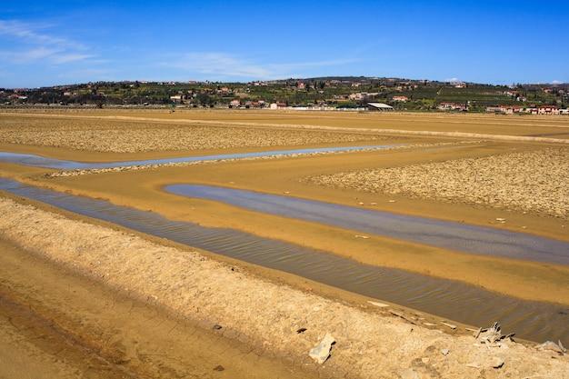 Vue des bassins d'évaporation de sel à secovlje