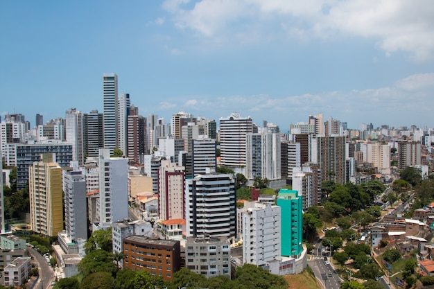 Vue des bâtiments de la ville de salvador bahia au brésil.