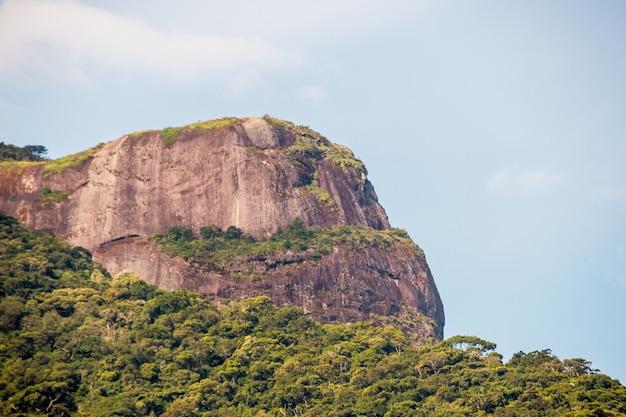Vue de la belle pierre à rio de janeiro au brésil.