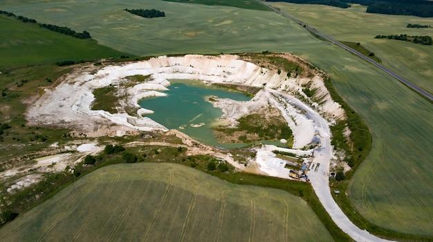 Vue de la carrière de craie de drone photographie aérienne