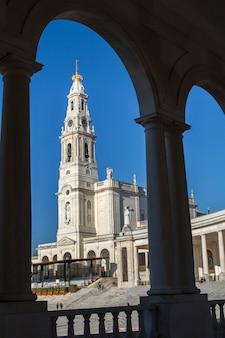 Vue de la célèbre place sainte de fatima, au portugal.