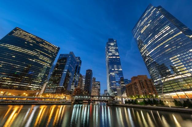 Vue de chicago avec lumière du matin