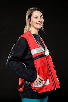 Vue côté, de, smiley, femme, ambulancier