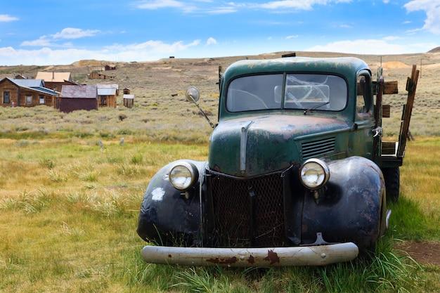 Vue depuis bodie ghost town, california usa. ancienne mine abandonnée
